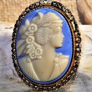 Timeless Vintage Cameo Brooch